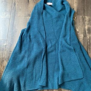 Knitted teal vest